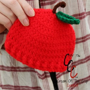 Cream Of The Crop Crochet ~ Preemie/Newborn Apple Hats {Free Crochet Pattern}