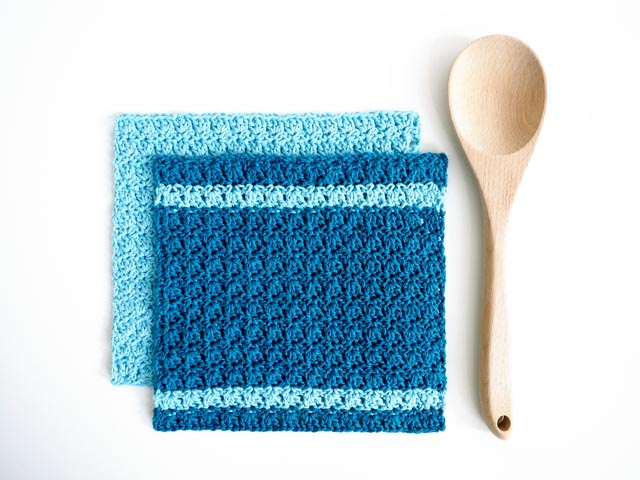 Primrose Dishcloth - Crochet dishcloth patterns are fun to work up and faster than any others. #EasyCrochetDishclothPatterns #crochetpatterns #dishclothpatterns #crochetaddict