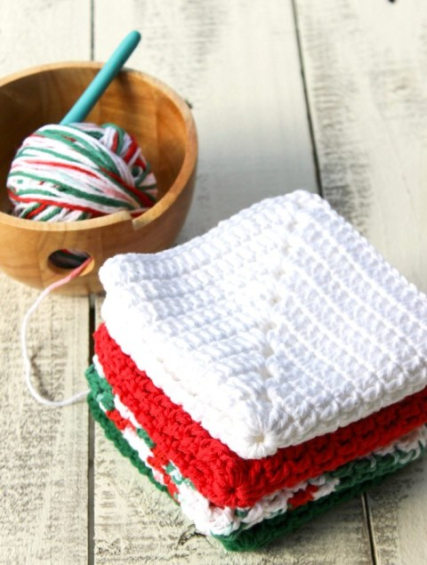 Christmas Granny Square Dishcloth - Crochet dishcloth patterns are fun to work up and faster than any others. #EasyCrochetDishclothPatterns #crochetpatterns #dishclothpatterns #crochetaddict