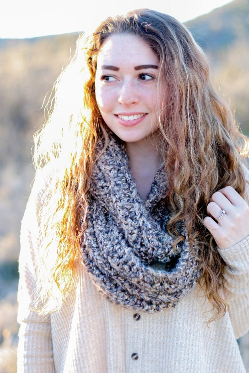 Cora Infinity Scarf Crochet Pattern - These crochet scarf patterns will inspire creativity and excitement in you. #crochetscarfpatterns #crochetpatterns #crochetscarf #crochetaddict
