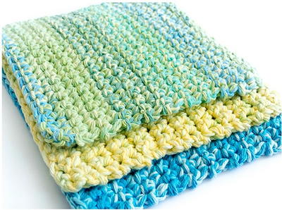 Easy Thick Crochet Wash & Dishcloth - Crochet dishcloth patterns are fun to work up and faster than any others. #EasyCrochetDishclothPatterns #crochetpatterns #dishclothpatterns #crochetaddict