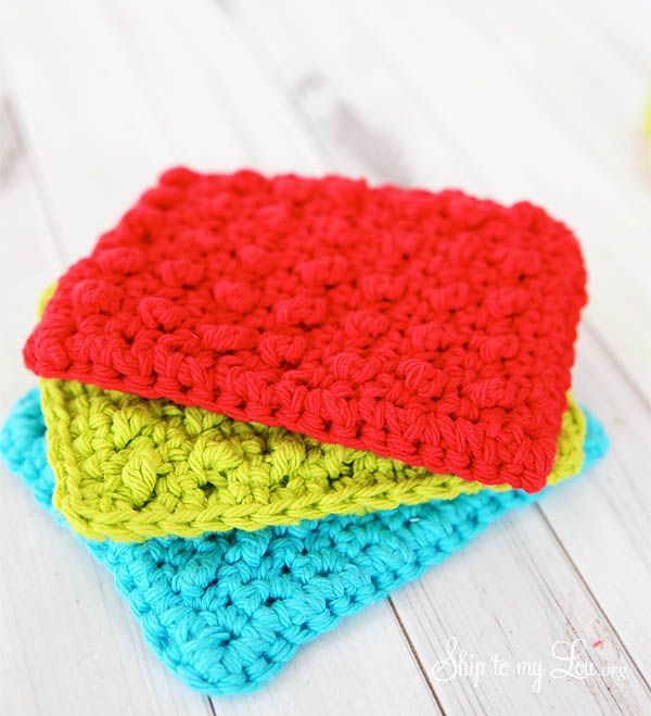 Quick & Easy Crochet Dishcloth - Crochet dishcloth patterns are fun to work up and faster than any others. #EasyCrochetDishclothPatterns #crochetpatterns #dishclothpatterns #crochetaddict