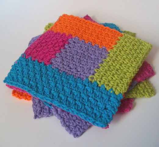 Simply Square Log Cabin Dishcloth - Crochet dishcloth patterns are fun to work up and faster than any others. #EasyCrochetDishclothPatterns #crochetpatterns #dishclothpatterns #crochetaddict