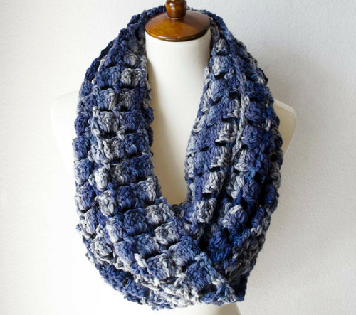 Super Crochet Scarf Crochet Pattern - These crochet scarf patterns will inspire creativity and excitement in you. #crochetscarfpatterns #crochetpatterns #crochetscarf #crochetaddict