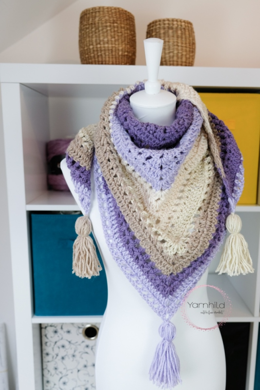 Lavender Delight  - This list has 20 free crochet shawl patterns, each unique and suitable for any occasion. These are the best shawl patterns out there. #CrochetShawlPatterns #CrochetShawl #FreeCrochetPatterns