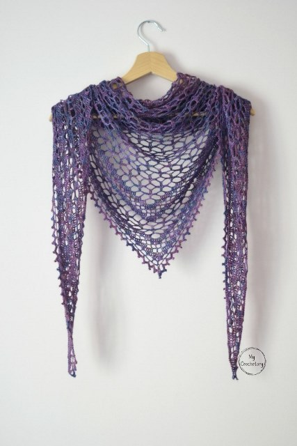 Nightfall Shawl - This list has 20 free crochet shawl patterns, each unique and suitable for any occasion. These are the best shawl patterns out there. #CrochetShawlPatterns #CrochetShawl #FreeCrochetPatterns