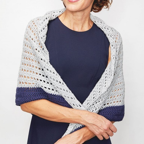 Summer Shawl - This list has 20 free crochet shawl patterns, each unique and suitable for any occasion. These are the best shawl patterns out there. #CrochetShawlPatterns #CrochetShawl #FreeCrochetPatterns