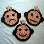 Moody Monkey Potholders - These crochet pot holders aren't challenging to work up and provide a nice lazy day project. Pick out a pot holder pattern and get to work. #CrochetPotHolders #CrochetPatterns #EasyCrochetPatterns