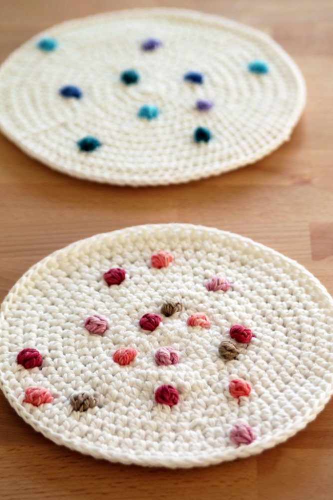 Sprinkle Crochet Potholders - These crochet pot holders aren't challenging to work up and provide a nice lazy day project. Pick out a pot holder pattern and get to work. #CrochetPotHolders #CrochetPatterns #EasyCrochetPatterns