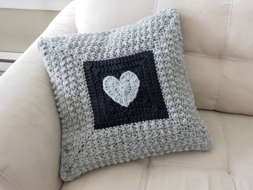 Aligned Cobble Stitch Pillow - These are the best pillows and they're all so beautiful. There are more fun, vibrant designs and more modern crochet pillows on this list. #EasyCrochetPillows #CrochetPillows #CrochetPatterns