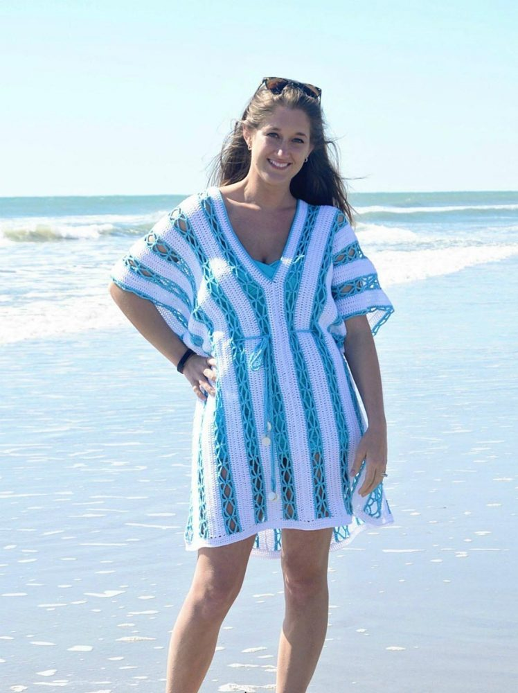 Beach Day Cover-up Tunic - These DIY crochet beach cover ups are stylish and fun to make. From a crochet wrap to a crochet tunic, you can make something for anyone's style. #CrochetBeachCoverUps #CrochetPatterns #FreeCrochetPatterns