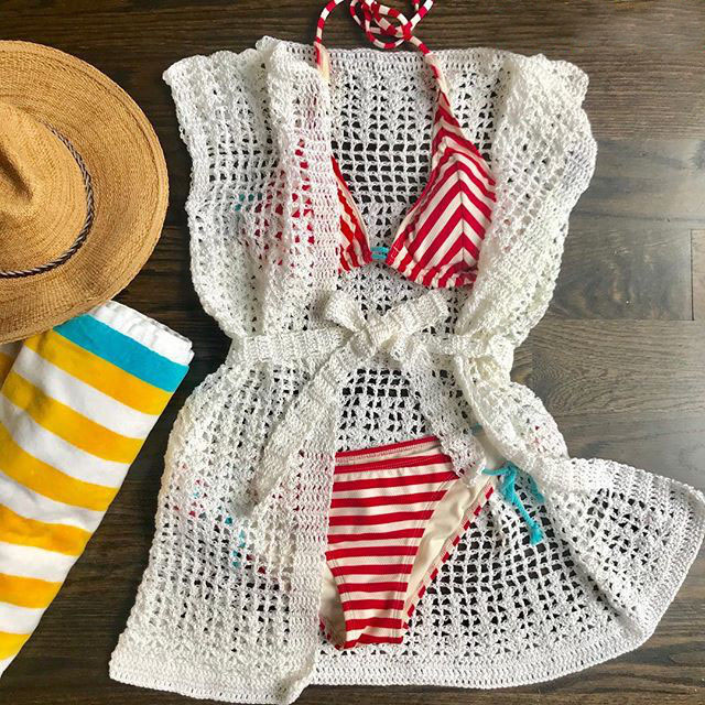 Crochet Shells & Squares Cover-up - These DIY crochet beach cover ups are stylish and fun to make. From a crochet wrap to a crochet tunic, you can make something for anyone's style. #CrochetBeachCoverUps #CrochetPatterns #FreeCrochetPatterns