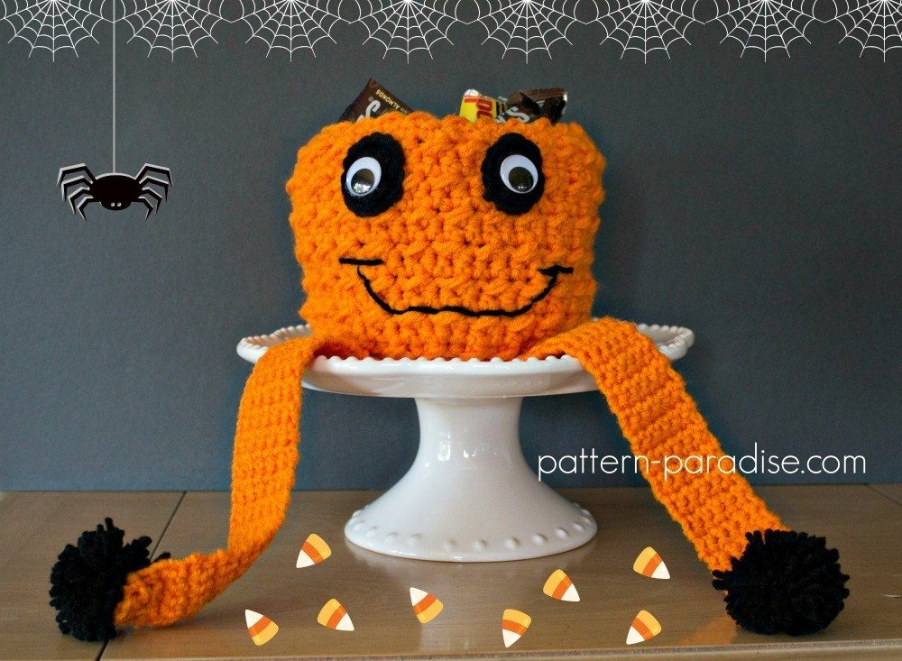 Jack O'Pumpkin Candy Bowl - These 13 crochet Halloween pumpkin patterns should be enough to create all the pumpkins you want. #crochethalloweenpumpkins #crochetpatterns #halloweencrochetpatterns