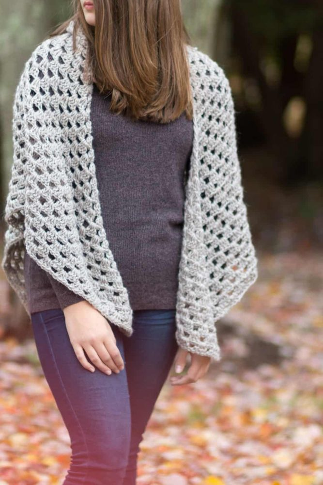 Free Crochet Shawl Granny - No matter what you're looking for these crochet shawl patterns will allow you to learn, grow and express yourself! #crochetshawlpatterns #crochetpatterns #freecrochetpatterns