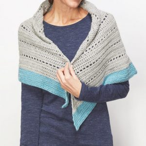 Winter Shawl - No matter what you're looking for these crochet shawl patterns will allow you to learn, grow and express yourself! #crochetshawlpatterns #crochetpatterns #freecrochetpatterns