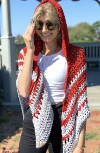 Woodward Hooded Shawl - No matter what you're looking for these crochet shawl patterns will allow you to learn, grow and express yourself! #crochetshawlpatterns #crochetpatterns #freecrochetpatterns