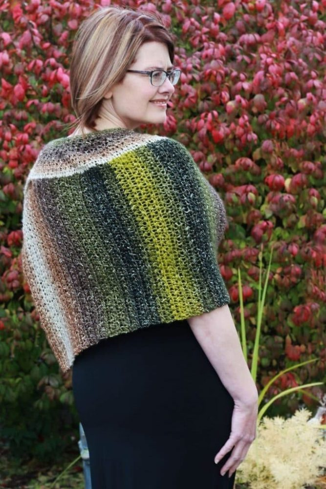 Crochet Chic Cape Poncho - These free crochet poncho patterns may be used this winter, but many of the designs here can also work up to spring and even on a cool summer day! #freecrochetponchopatterns #crochetponcho #crochetpatterns