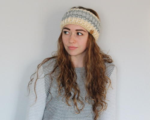 Ember Headband - These crochet headbands will be a great gift for your little daughters, nieces or girlfriends who love to keep their hair away from their faces. #crochetheadbands #crochetheadbandpatterns #crochetpatterns