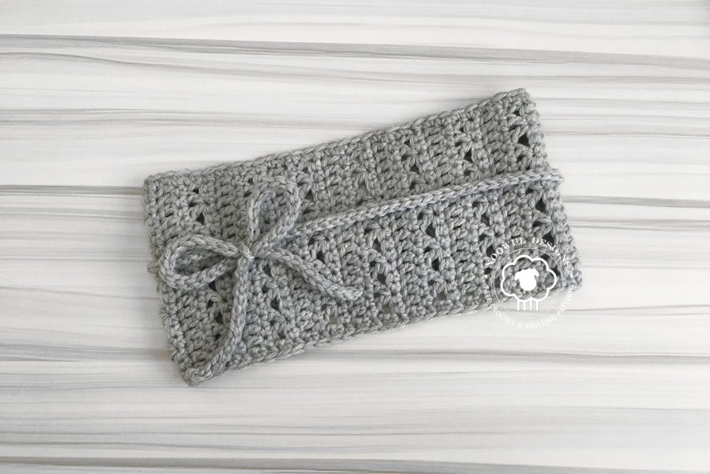 Prym Headband - These crochet headbands will be a great gift for your little daughters, nieces or girlfriends who love to keep their hair away from their faces. #crochetheadbands #crochetheadbandpatterns #crochetpatterns