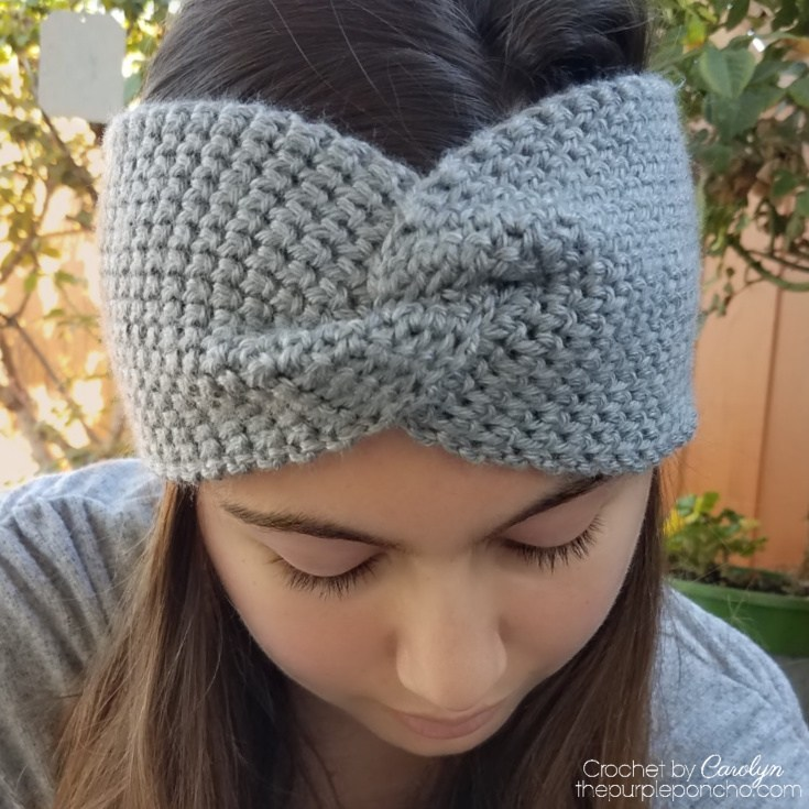 Thermal Twist Headband - These crochet headbands will be a great gift for your little daughters, nieces or girlfriends who love to keep their hair away from their faces. #crochetheadbands #crochetheadbandpatterns #crochetpatterns